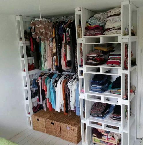 muebles y closet con palets