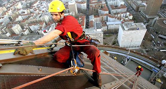 equipo-de-seguridad-para-trabajo-en-alturas