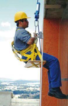 equipo-de-seguridad-trabajo-en-alturas