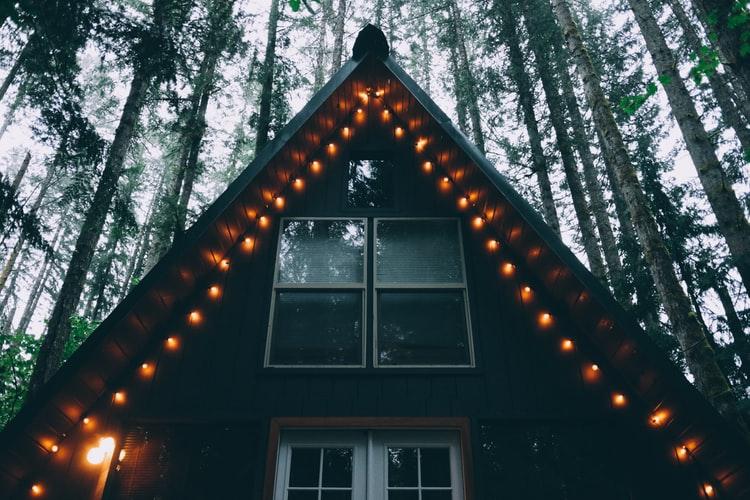 tips-como-ahorrar-energia-en-una-casa-hecha-de-multipanel
