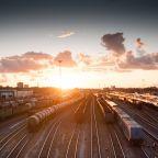 gobierno trabaja en trenes como medios de transporte masivo